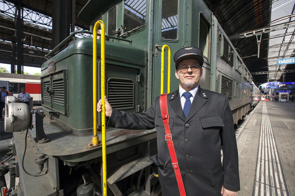 Herr Salvatore Leggio mit SBB Uniform
